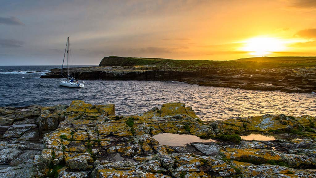 Wild West Sailing - Moored at Inismurray